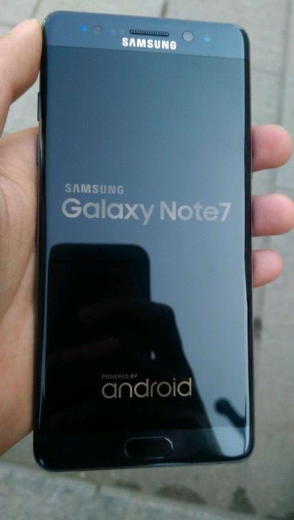 Ảnh thực tế Galaxy Note 7 tân trang với chữ R phía sau