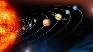 Tại sao các hành tinh quay quanh mặt trời?