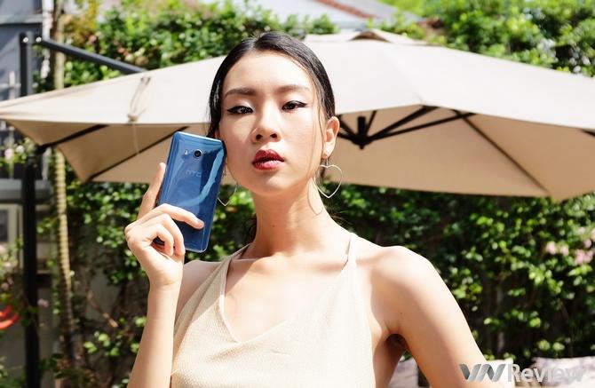 HTC U11 giá 17 triệu đồng: 6 GB RAM, 128 GB bộ nhớ trong, chip Snapdragon 835