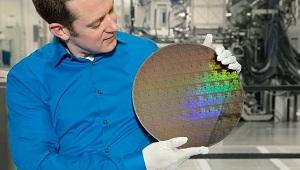 IBM trình làng chip 5 nm đầu tiên trên thế giới, thời lượng pin tăng gấp 4 lần