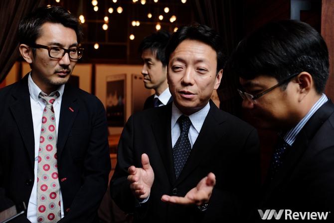 Giám đốc UX của Sony Mobile: Không đánh đổi viền mỏng lấy độ bền của điện thoại
