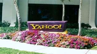 """""""Tượng đài"""" Yahoo sắp bị xóa sổ"""