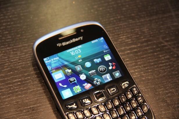 Đánh giá BlackBerry Curve 9320