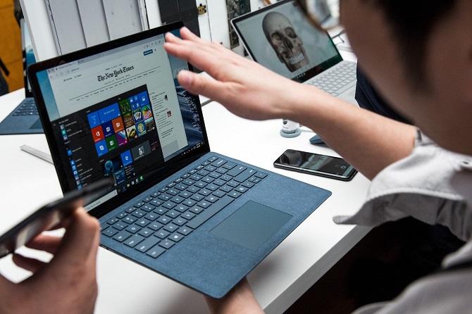 """Lãnh đạo Surface: iPad Pro là ví dụ rõ ràng cho thấy Apple đã """"copy"""" Microsoft"""