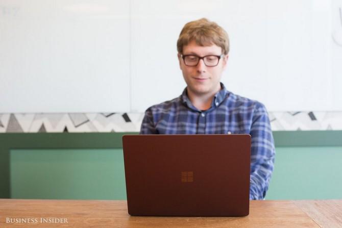 Surface Laptop khác gì Surface Pro? Nên chọn máy nào?