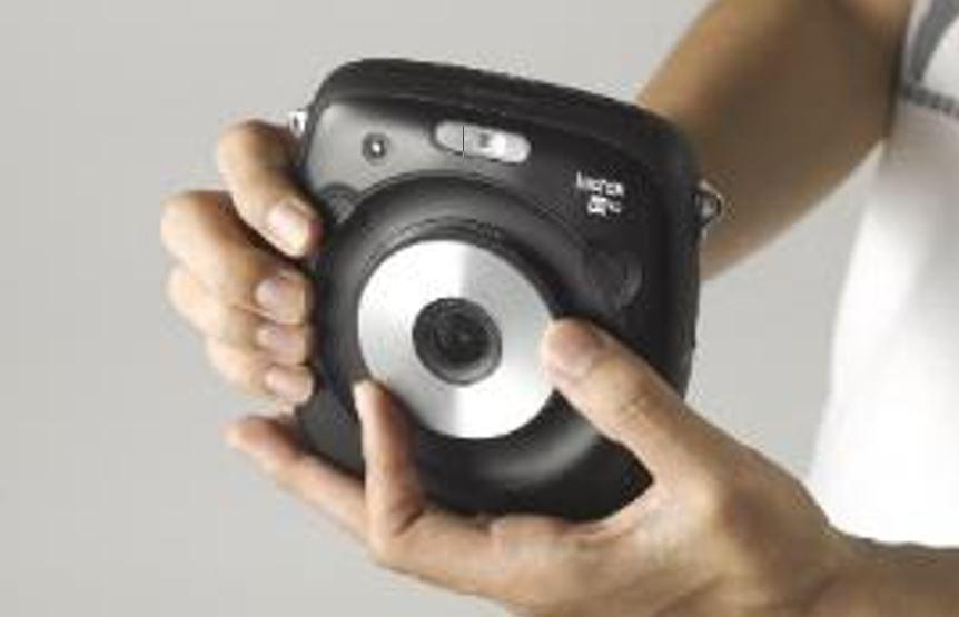 Fujifilm Việt Nam ra mắt 2 máy ảnh chụp lấy ngay, giá từ 2 triệu đồng
