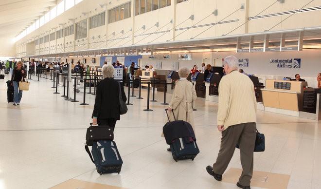 Tìm ra nguyên nhân vì sao vali hành lý hay bị lệch hướng?