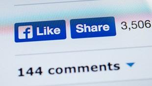 """Facebook: Người chia sẻ nhiều thường hay đăng """"tin vịt"""""""