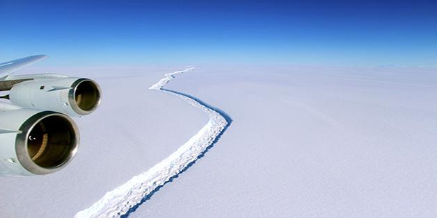 Chúng ta sẽ phải vẽ lại bản đồ thế giới vì Nam Cực vừa mất một tảng băng khổng lồ