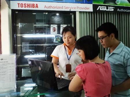 FPT Services xả hàng laptop