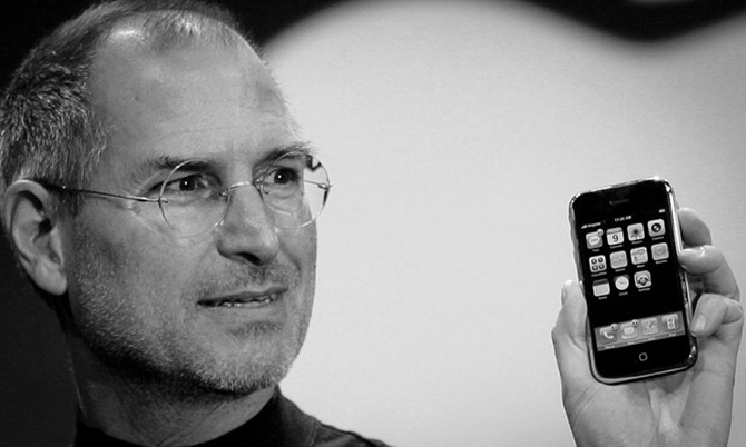 Bí mật đằng sau màn giới thiệu iPhone đời đầu