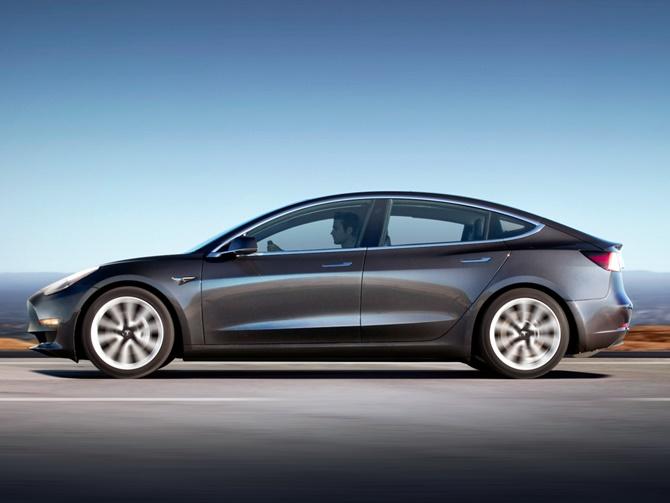Tesla công bố chi tiết mới cho Model 3: đây là những điều cần biết