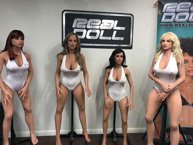 Đột nhập nhà máy sản xuất búp bê tình dục được trang bị AI - ảnh 1