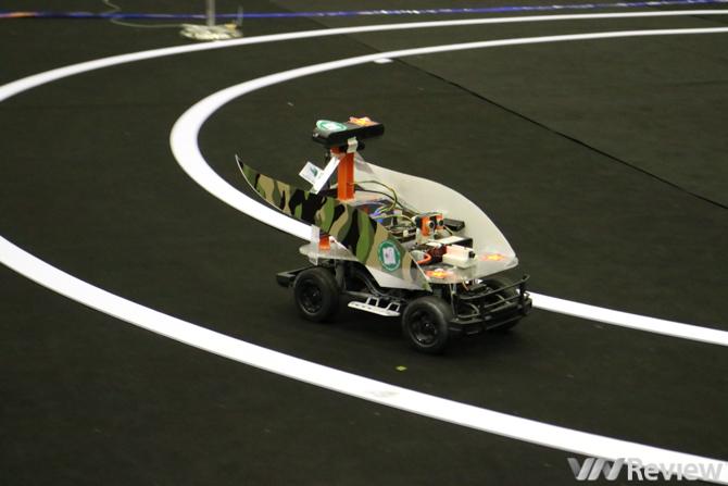 FPT đưa sinh viên công nghệ Việt Nam sang Mỹ trải nghiệm xe tự hành