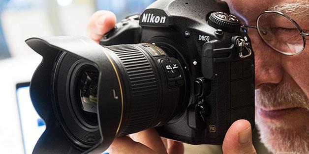 Nikon D850 cảm biến 45.7 megapixel giá hơn 70 triệu đồng