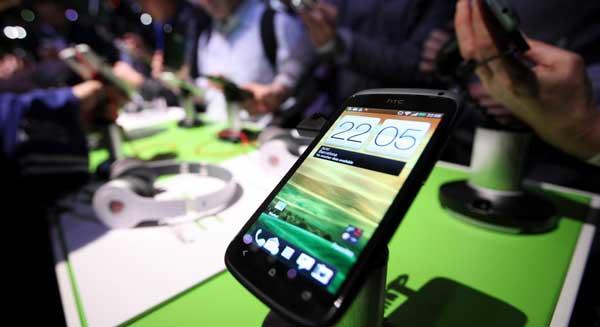 HTC: bán mảng thực tế ảo hoặc bán cả công ty