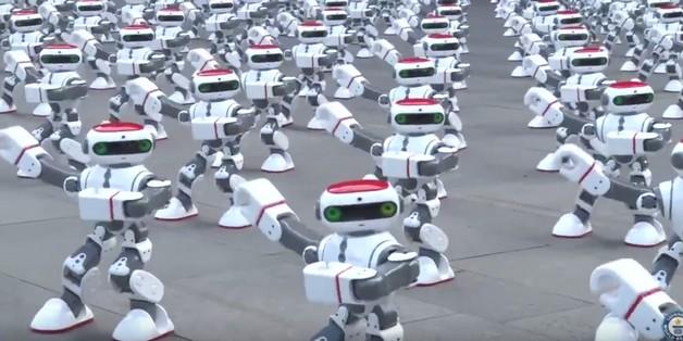 Xem màn nhảy múa phá kỷ lục thế giới của 1069 robot