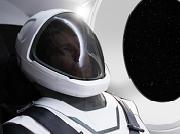 Elon Musk tiết lộ hình ảnh đầu tiên của bộ quần áo phi hành gia SpaceX