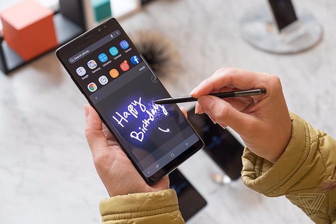Galaxy Note 8 lập kỷ lục đặt trước tại Thế Giới Di Động