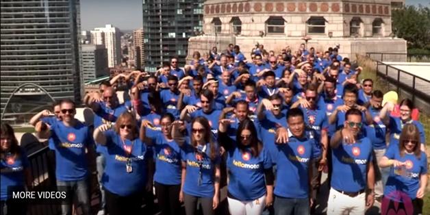 Hơn 100 nhân viên Motorola thả Moto Z2 Force cùng lúc để khoe tính năng ShatterShield