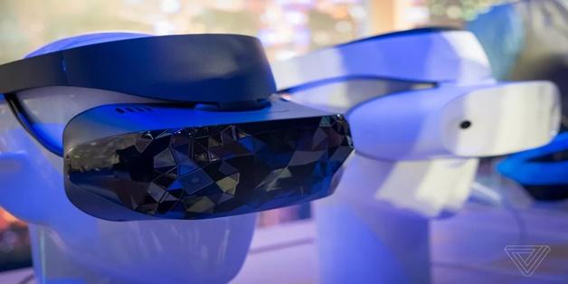 [IFA 2017] Asus ra mắt thiết bị đeo VR chạy Windows Mixed Reality nhẹ nhất thế giới