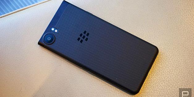 [IFA 2017] BlackBerry KEYone Black Edition xuất hiện, nâng lên 4GB RAM