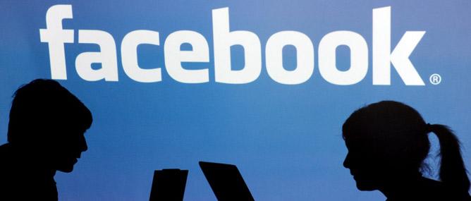 Facebook bị phản đối vì xóa ảnh của một em bé sắp chết