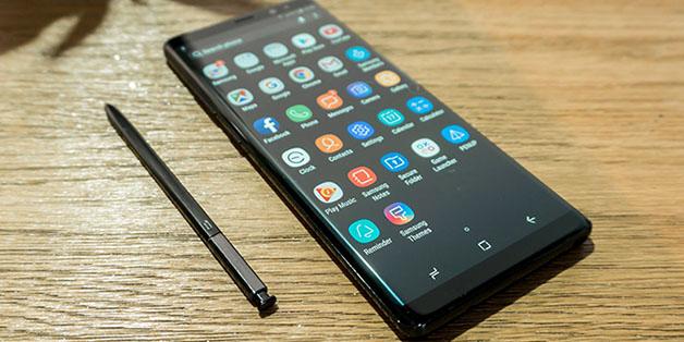 """""""Hành xác"""" Samsung Galaxy Note 8: Hãy tránh xa lửa!"""