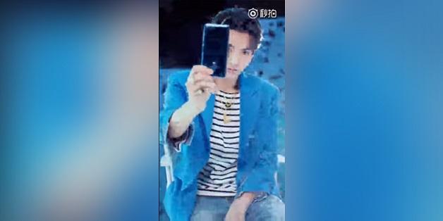"""Xiaomi tung video """"nhá hàng"""" Mi MIX 2 trước ngày ra mắt"""