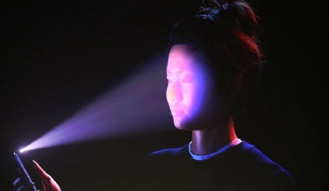 Face ID trên iPhone X chỉ hỗ trợ nhận dạng một khuôn mặt duy nhất