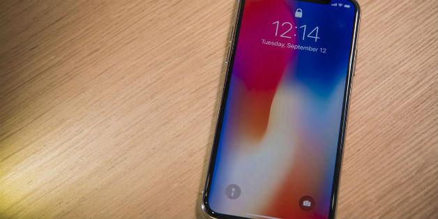 Liệu iPhone X có thể đánh bại Galaxy Note 8?