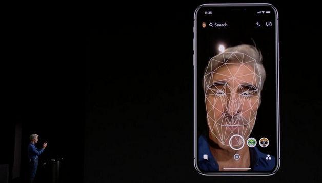 Apple: Hãy bóp chiếc iPhone X để ngăn chặn những tên cướp