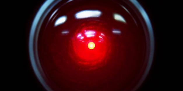 Điều gì sẽ xảy ra khi trợ lý ảo thông minh hơn con người?