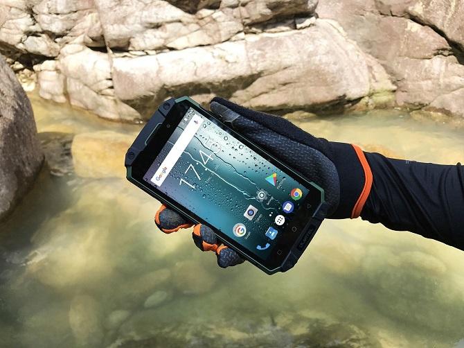 Oukitel Mix 2 đọ dáng cùng Xiaomi Mix 2, K10000 Max bắt đầu lên kệ 1708573