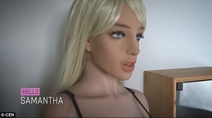 Siêu robot tình dục te tua tại hội chợ vì khách tham quan quá đà