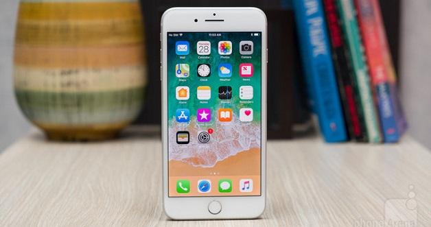 iPhone 8 Plus là chiếc iPhone to và nặng nhất của Apple