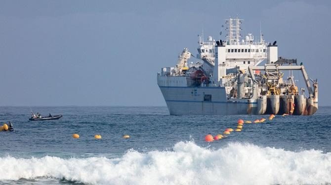 Microsoft và Facebook hoàn thiện tuyến cáp quang xuyên Đại Tây Dương