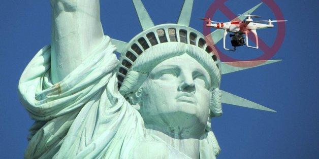 """FAA cấm drone """"lảng vảng"""" gần tượng nữ thần tự do"""