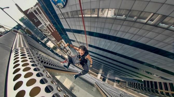 Thót tim với bộ ảnh các vận động viên treo leo giữa những tòa cao ốc ảnh 11