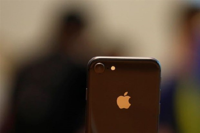 Cuộc đại chiến Apple-Qualcomm và 4 điều bạn cần biết