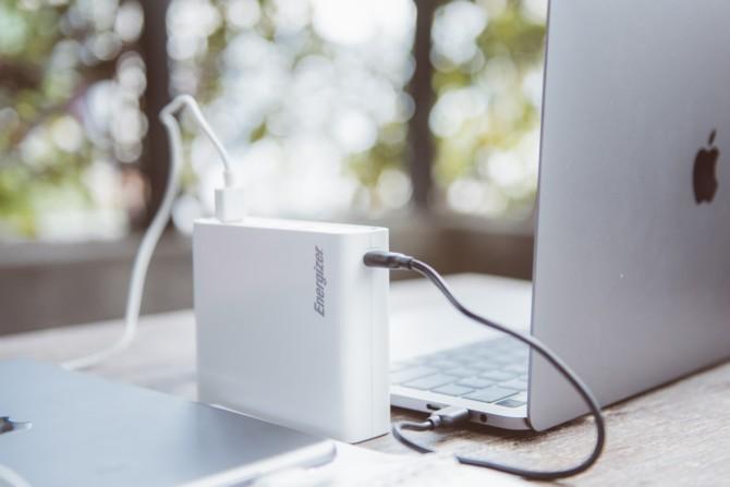 Energizer ra mắt loạt pin dự phòng cho điện thoại và MacBook