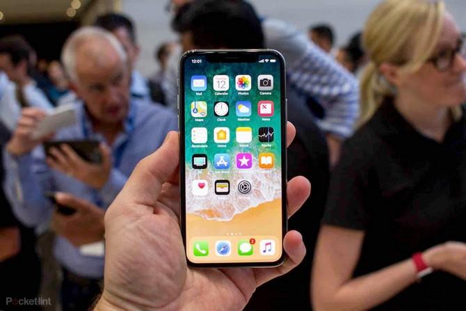 Chỉ những người may mắn mới mua được iPhone X vào tháng sau - ảnh 1