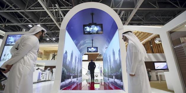 Dubai thử nghiệm đường hầm nhận diện khuôn mặt ở sân bay như phim viễn tưởng