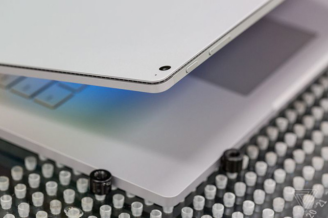 Microsoft ra mắt Surface Book 2: nâng cấp mạnh về CPU và VGA, pin 17 tiếng