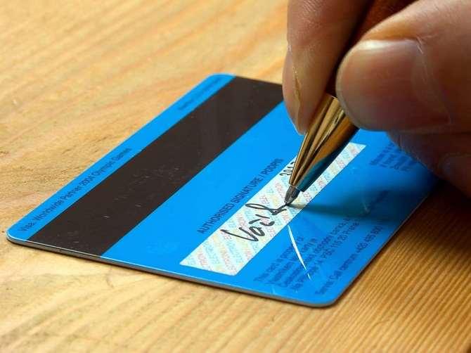 Image result for chữ ký thẻ tín dụng