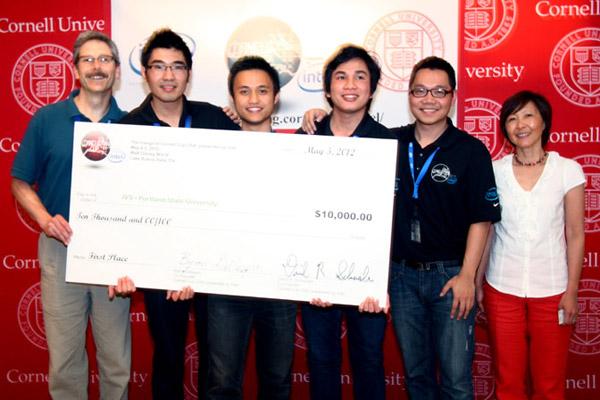 4 sinh viên Intel Việt Nam đạt giải nhất Cornell Cup USA 2012