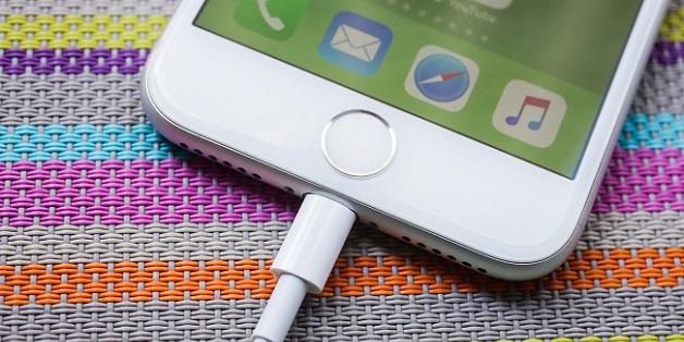 Chuyện lạ: Dân Mỹ đổ xô rao bán iPhone 8 trước thời điểm iPhone X lên kệ