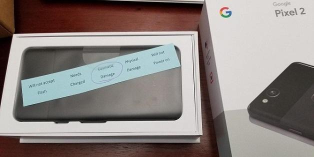 """Google dính """"phốt"""" gửi Pixel 2 XL bị lỗi cho người dùng"""