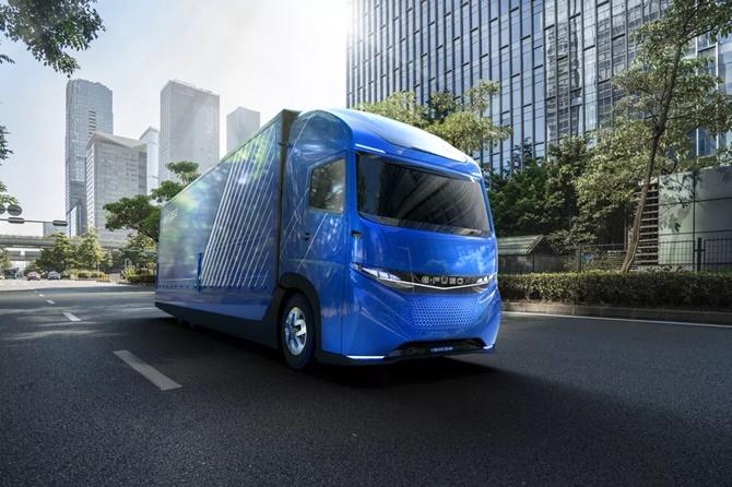 Daimler trình diễn một chiếc xe tải điện trước cả Tesla
