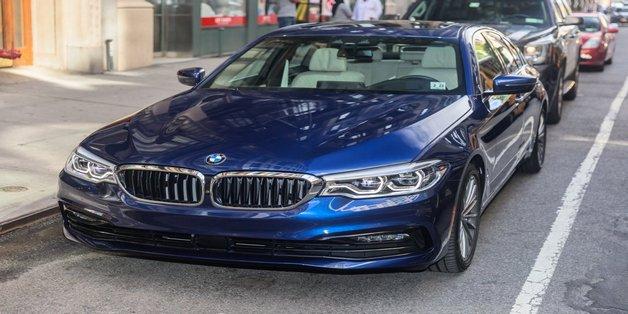 BMW 5-Series 2017: Đẳng cấp, đẹp nhưng khá nhàm chán
